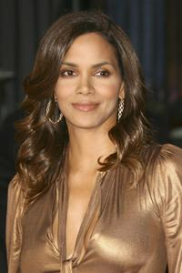 Halle Berry Hair Style
