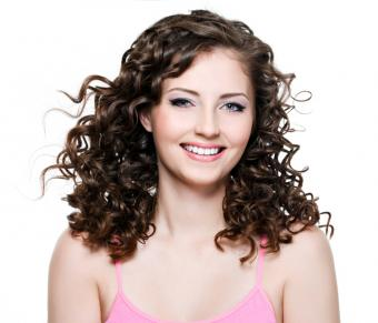 https://cf.ltkcdn.net/hair/images/slide/162609-749x641r1-curly-hair.jpg