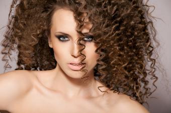 https://cf.ltkcdn.net/hair/images/slide/162610-849x565r1-volumunous-hair.jpg