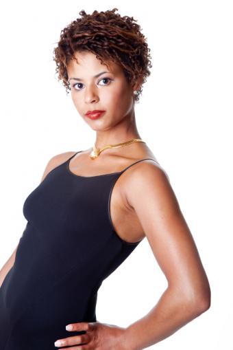 https://cf.ltkcdn.net/hair/images/slide/169509-534x800-twist-out-womans.jpg