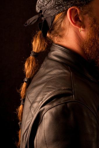 https://cf.ltkcdn.net/hair/images/slide/174534-566x848-Banded-ponytail.jpg