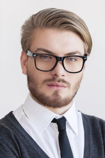 https://cf.ltkcdn.net/hair/images/slide/176123-566x850-Man-With-Brown-Beard.jpg