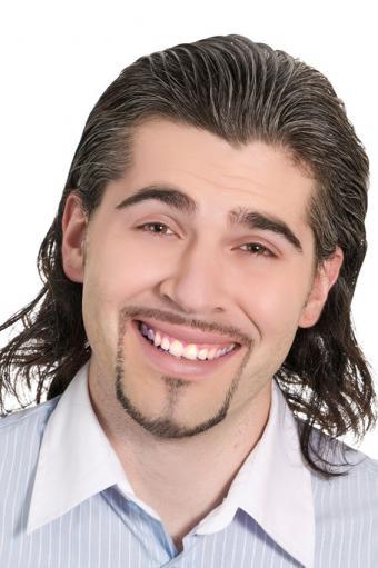 https://cf.ltkcdn.net/hair/images/slide/176130-566x850-Thin-Lines-Beard.jpg