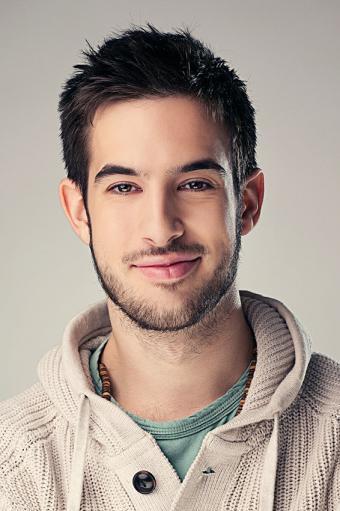 https://cf.ltkcdn.net/hair/images/slide/176132-566x850-Young-Man-With-Beard.jpg