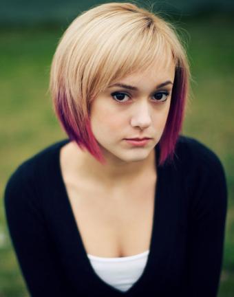 https://cf.ltkcdn.net/hair/images/slide/181770-629x800-ombre-blond-dark-pink.jpg