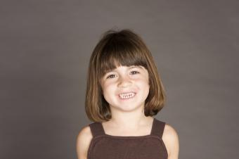 https://cf.ltkcdn.net/hair/images/slide/183948-850x565-small-girl.jpg