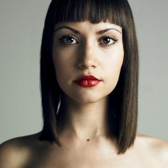 https://cf.ltkcdn.net/hair/images/slide/183949-850x849-strict-hairstyle.jpg