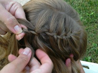 Dropping and adding bottom piece of braid