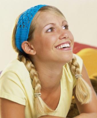 https://cf.ltkcdn.net/hair/images/slide/187817-699x850-colorful-headband.jpg