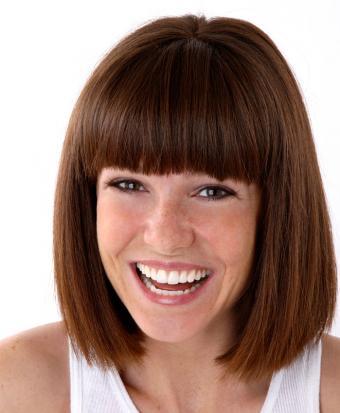 https://cf.ltkcdn.net/hair/images/slide/187842-699x850-blunt-bob-style.jpg
