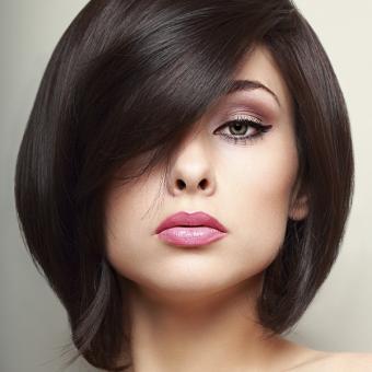 https://cf.ltkcdn.net/hair/images/slide/192514-565x565-bob-asymmetrical.jpg