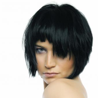 https://cf.ltkcdn.net/hair/images/slide/192609-850x850-bob-edgy.jpg
