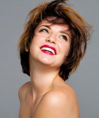 Woman with short, face-framing shag
