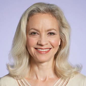 https://cf.ltkcdn.net/hair/images/slide/195668-691x695-Blonde-Versus-Gray.jpg