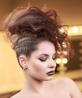 https://cf.ltkcdn.net/hair/images/slide/197140-708x850-updo04_glambraidscrop.jpg