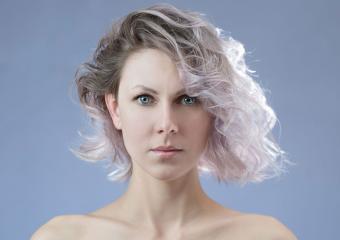 https://cf.ltkcdn.net/hair/images/slide/204159-850x600-dyed-ends-short-curly-hair.jpg