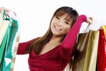 https://cf.ltkcdn.net/hair/images/slide/207743-850x567-iStock-186816029-Happy-asian-woman-holding-shopping-bags.jpg