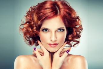https://cf.ltkcdn.net/hair/images/slide/209529-850x567-Short-style-with-curls.jpg