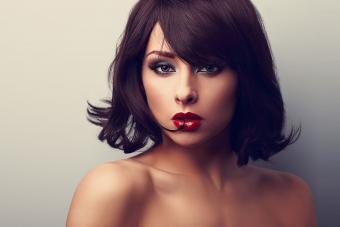 https://cf.ltkcdn.net/hair/images/slide/209544-850x567-Beautiful-short-style.jpg