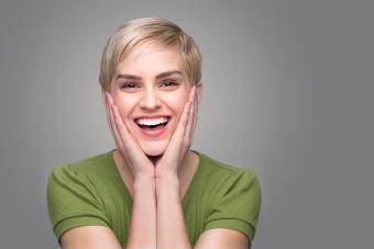 https://cf.ltkcdn.net/hair/images/slide/209545-850x567-Blond-with-short-hairstyle.jpg