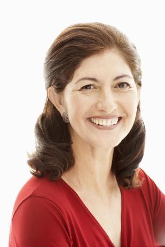 https://cf.ltkcdn.net/hair/images/slide/211928-513x768-Mature-woman.jpg