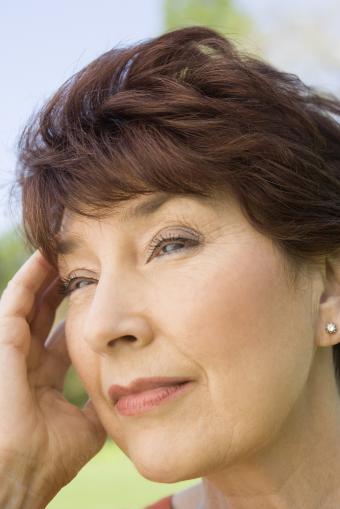 https://cf.ltkcdn.net/hair/images/slide/211931-513x768-Serious-woman.jpg