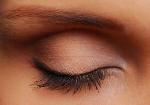 Eyelash Growth: The Natural Process and How to Enhance It