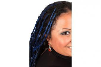 https://cf.ltkcdn.net/hair/images/slide/217189-704x469-Beribboned-Braids.jpg