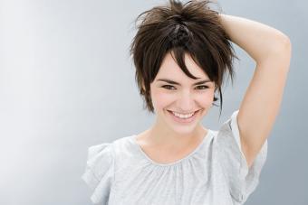 https://cf.ltkcdn.net/hair/images/slide/219617-704x469-Unkept-asymmetrical-haircut.jpg