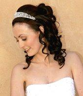 Bride with half up hairstyle and veil