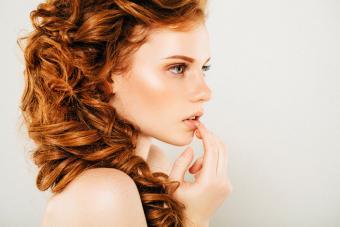 https://cf.ltkcdn.net/hair/images/slide/221989-704x469-Romantic-Braids.jpg