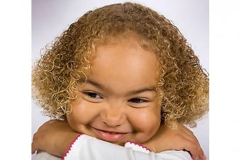 https://cf.ltkcdn.net/hair/images/slide/224839-704x469-Young-girl-with-curly-hair.jpg