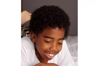 https://cf.ltkcdn.net/hair/images/slide/224842-704x469-Boy-with-curly-hair.jpg