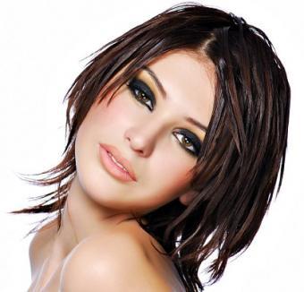 https://cf.ltkcdn.net/hair/images/slide/3374-417x400-brownbeauty1.jpg