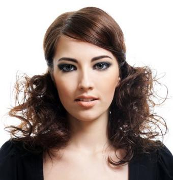https://cf.ltkcdn.net/hair/images/slide/3631-385x400-medcutss3.jpg