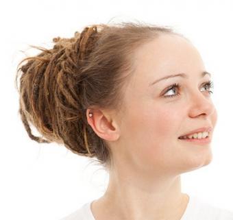 https://cf.ltkcdn.net/hair/images/slide/3875-424x400-dreads3.jpg