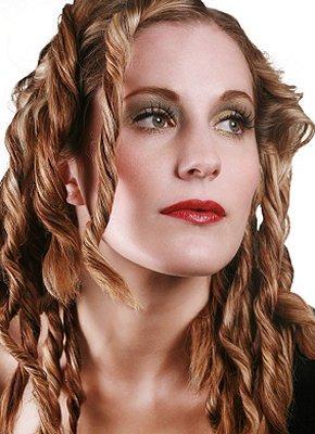 https://cf.ltkcdn.net/hair/images/slide/3883-290x400-dreads13.jpg