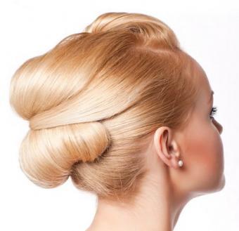 https://cf.ltkcdn.net/hair/images/slide/3907-413x400-weddayhair1.jpg