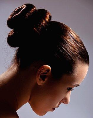 https://cf.ltkcdn.net/hair/images/slide/3969-314x400-bun2.jpg