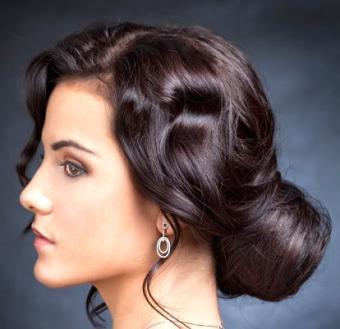 https://cf.ltkcdn.net/hair/images/slide/3970-414x400-bun1.jpg