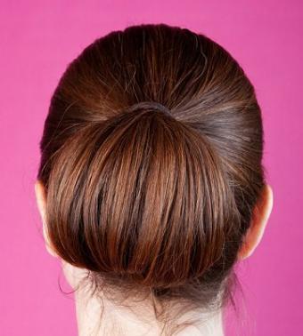 https://cf.ltkcdn.net/hair/images/slide/3974-360x400-bun3.jpg