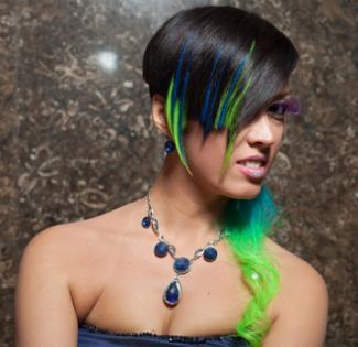 Brunette chalk hair; © Paulprescott | Dreamstime.com