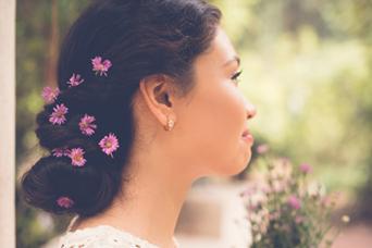 daisies in chignon