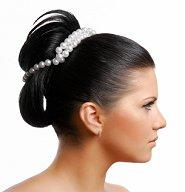 Bride wearing a pearl bun wrap