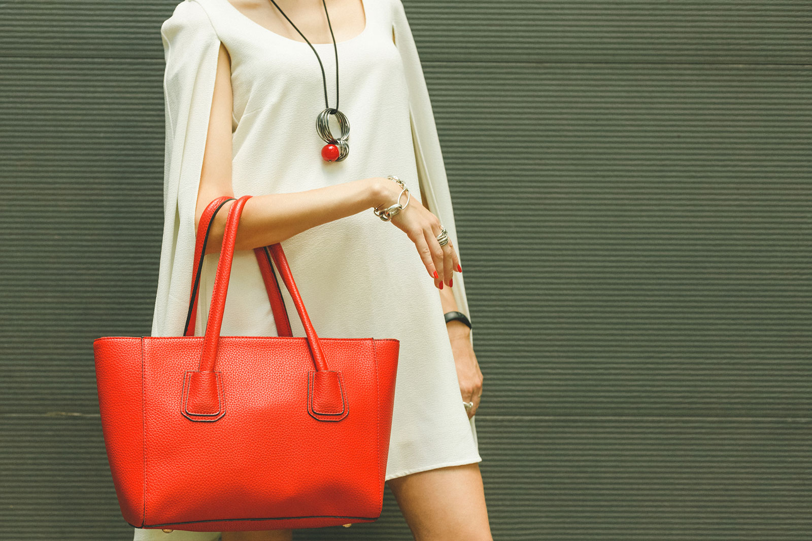Finding Quality Leather Handbags | LoveToKnow