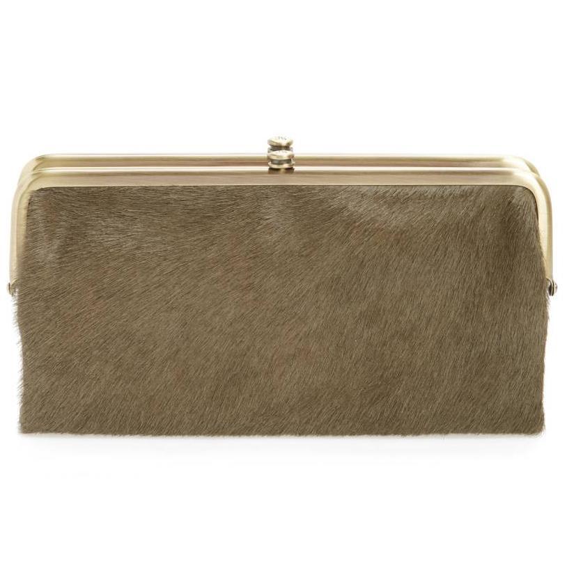 https://cf.ltkcdn.net/handbags/images/slide/218857-814x813-calfclutch.jpg