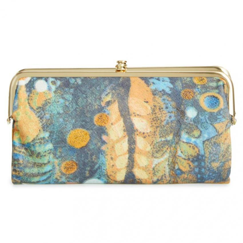 https://cf.ltkcdn.net/handbags/images/slide/218915-850x850-mysticgardenclutch.jpg