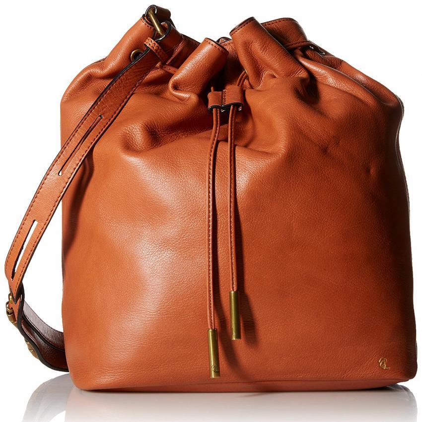 https://cf.ltkcdn.net/handbags/images/slide/226102-850x850-bucketbag.jpg