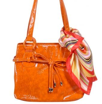 https://cf.ltkcdn.net/handbags/images/slide/126314-565x577r1-oranget-tote4.jpg