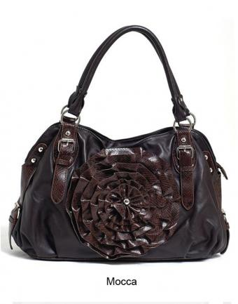 https://cf.ltkcdn.net/handbags/images/slide/183463-668x850-Mocca-tote.jpg
